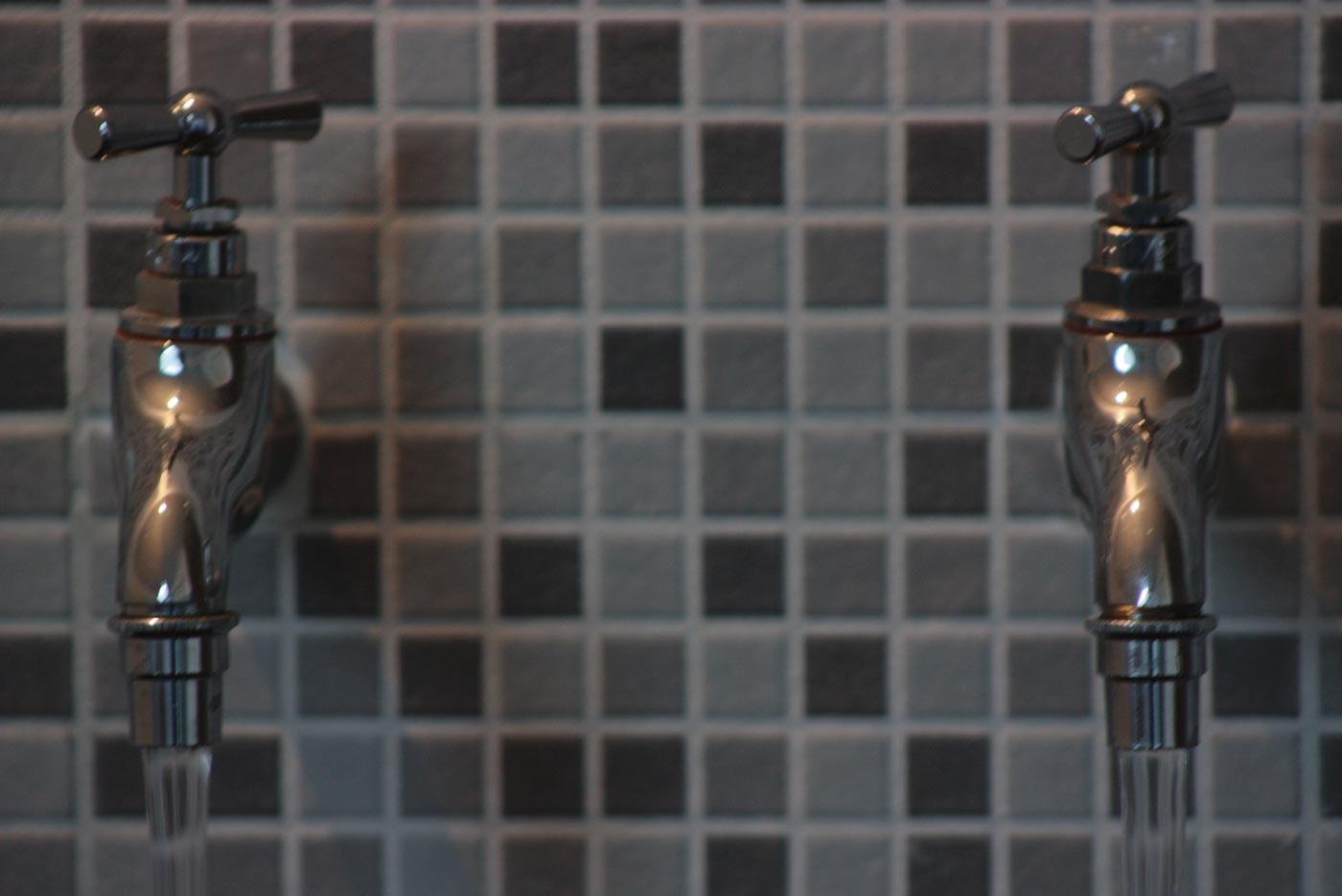le-gite-espace-bain-robinets